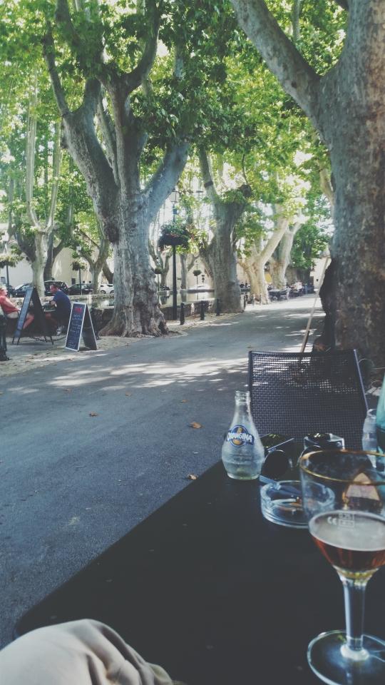Drinks in Cucuron
